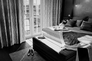 черни мебели за спалня